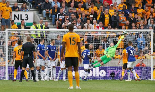 Ruben-Neves-goal-Wolves-Everton-Jordan-Pickford-1002209